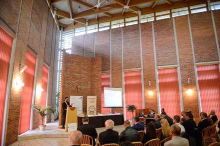 Szociáletikai konferencia az igazságos háborúról és az igazságos békéről